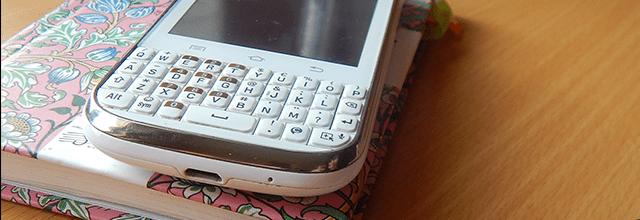 telefon biały samsung galaxy chat qwerty dla kobiet