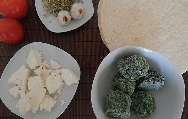 tortille ze szpinakiem i serem feta zdrowy tani studencki obiad do 10 zł