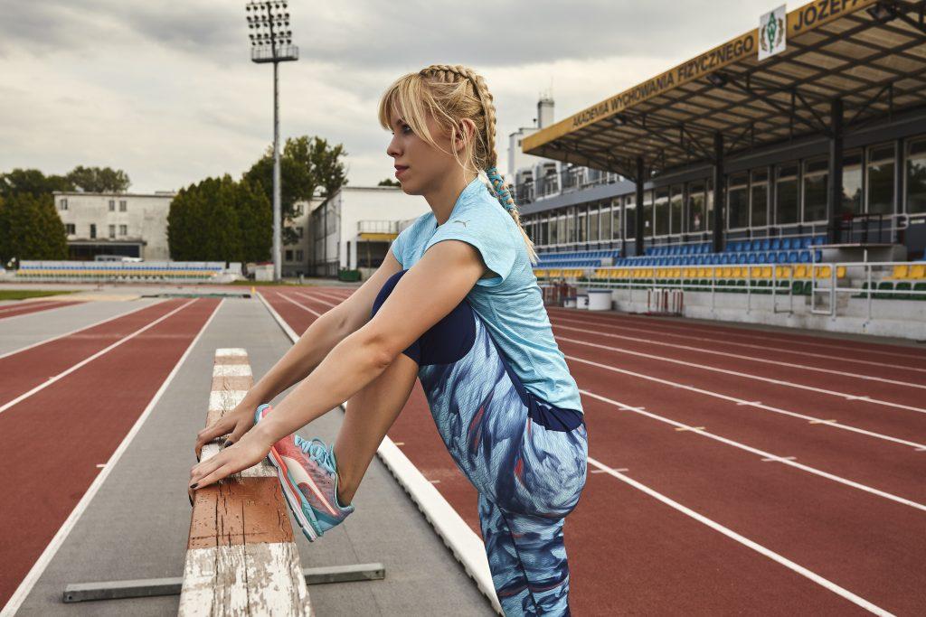 trening, fit dziewczyna, jak wytrwać w postanowieniach noworocznych