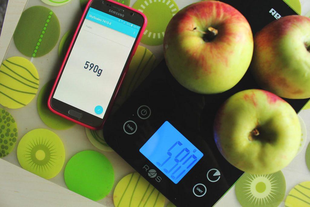 waga spożywcza, liczenie kalorii, jak liczyć kalorie
