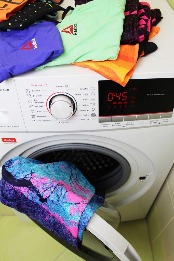 jak prać odzież sportową, czy ubrania sportowe można prać w pralce, pralka Amica