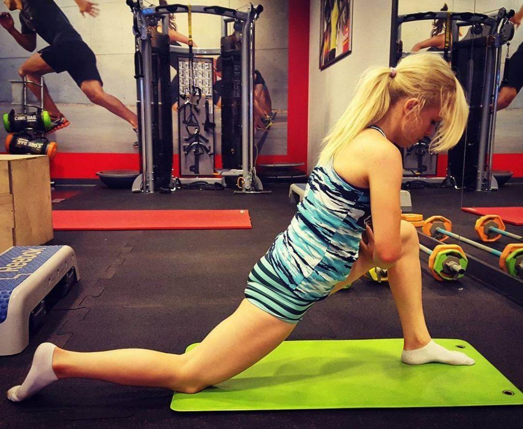 rozciąganie na siłowni, jak być fit, planowanie treningów