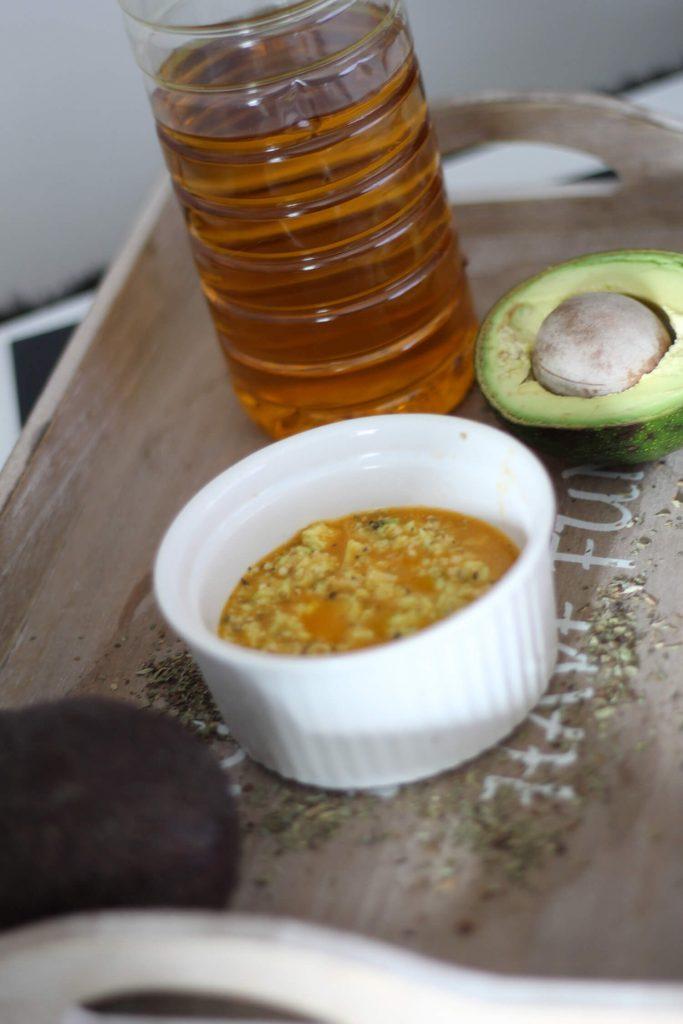 dressing z awokado idealny do sałatek, szybki i prosty sos sałatkowy