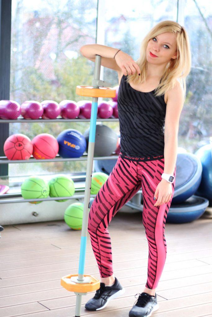 Marta Hennig, fit dziewczyna, sala fitness, jak wyrzeźbić i ujędrnić ciało