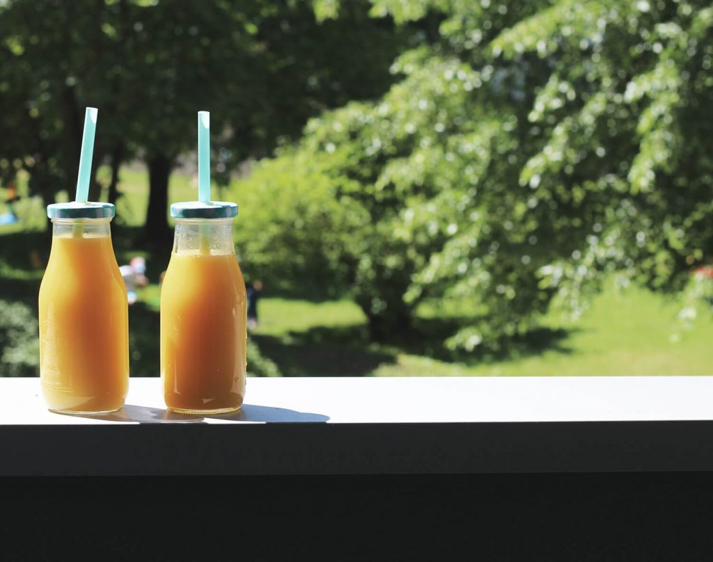 mity na temat zdrowego stylu życia, co można jeść i pić będąc fit, czy można pić soki