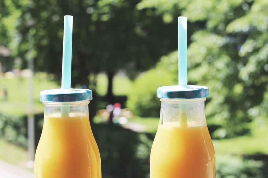 zdrowy styl życia - popularne mity, czy można pić soki