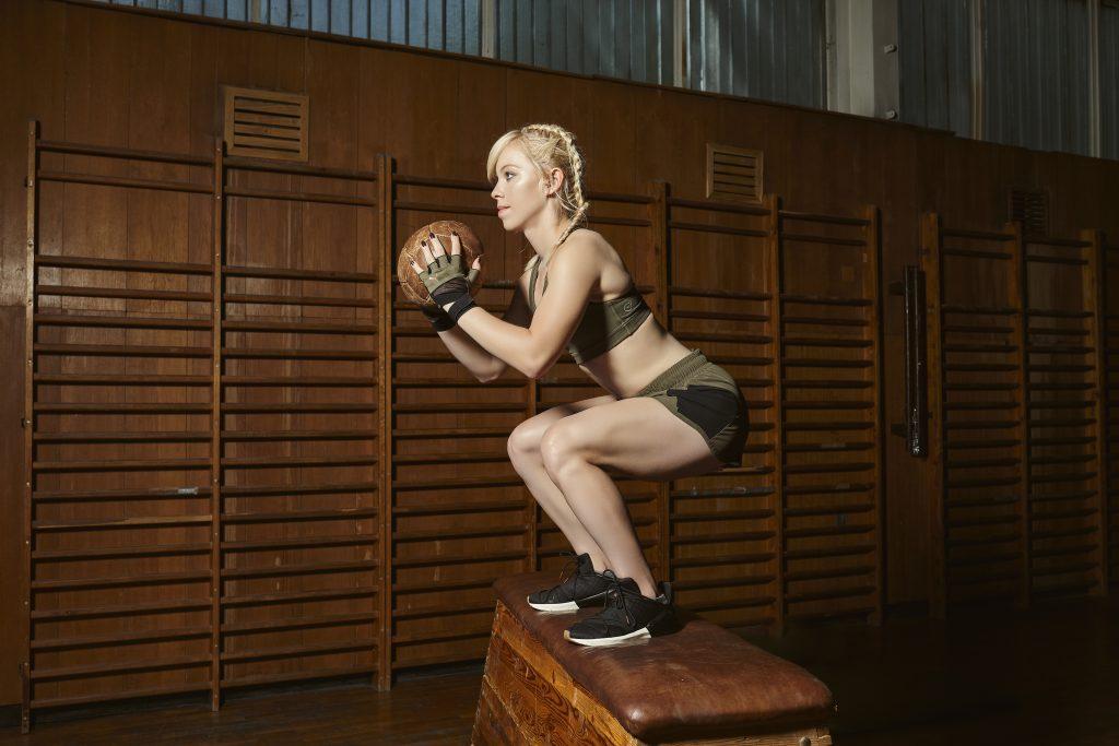 błędy podczas treningu, tupanie podczas ćwiczeń, jak poprawnie ćwiczyć