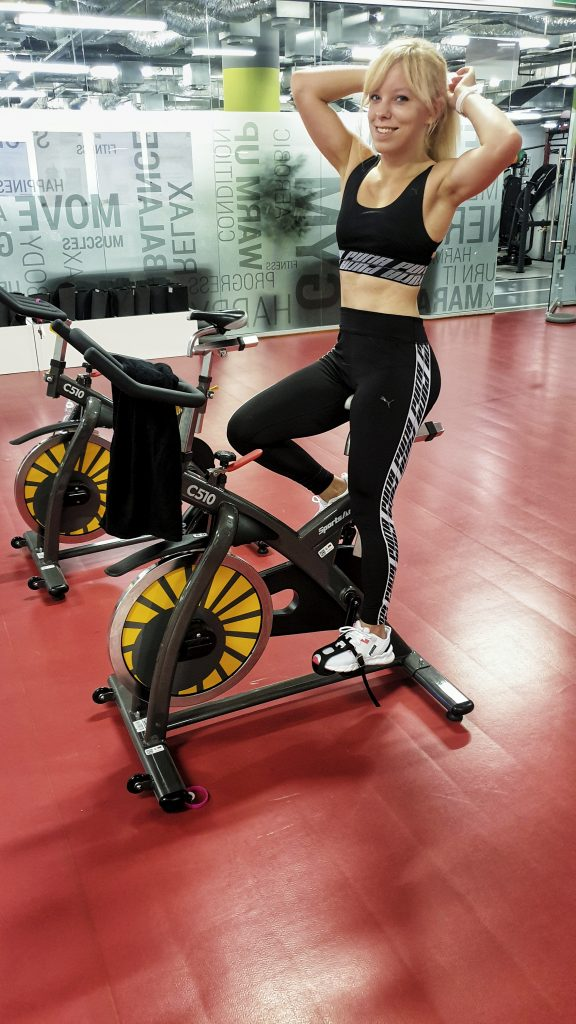 fitness na rowerze, spinning, indoor cycling, power bike, Marta Hennig, fit dziewczyna