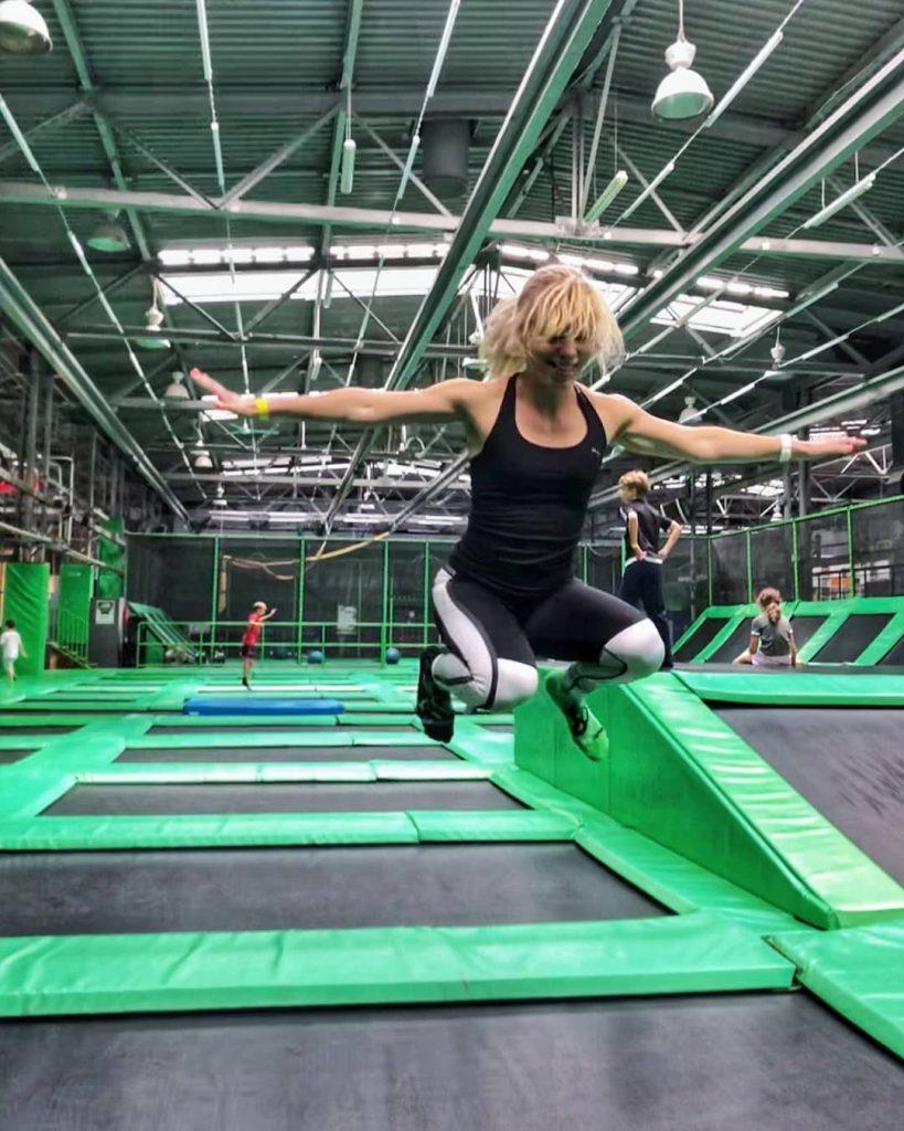 testowanie aktywności fizycznych, park trampolin