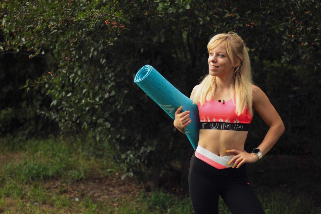 Czy dzięki zumbie można schudnąć? Poznaj 10 zalet tego treningu! - Ćwiczenia - sunela.eu