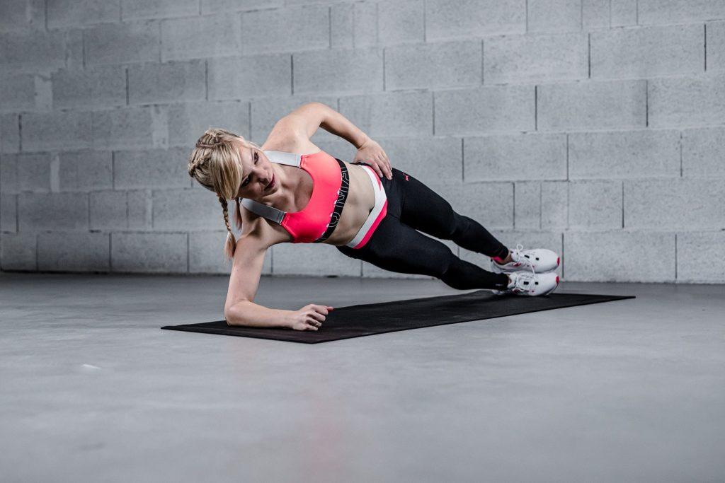 Marta Hennig, codziennie fit, aktywność w domu