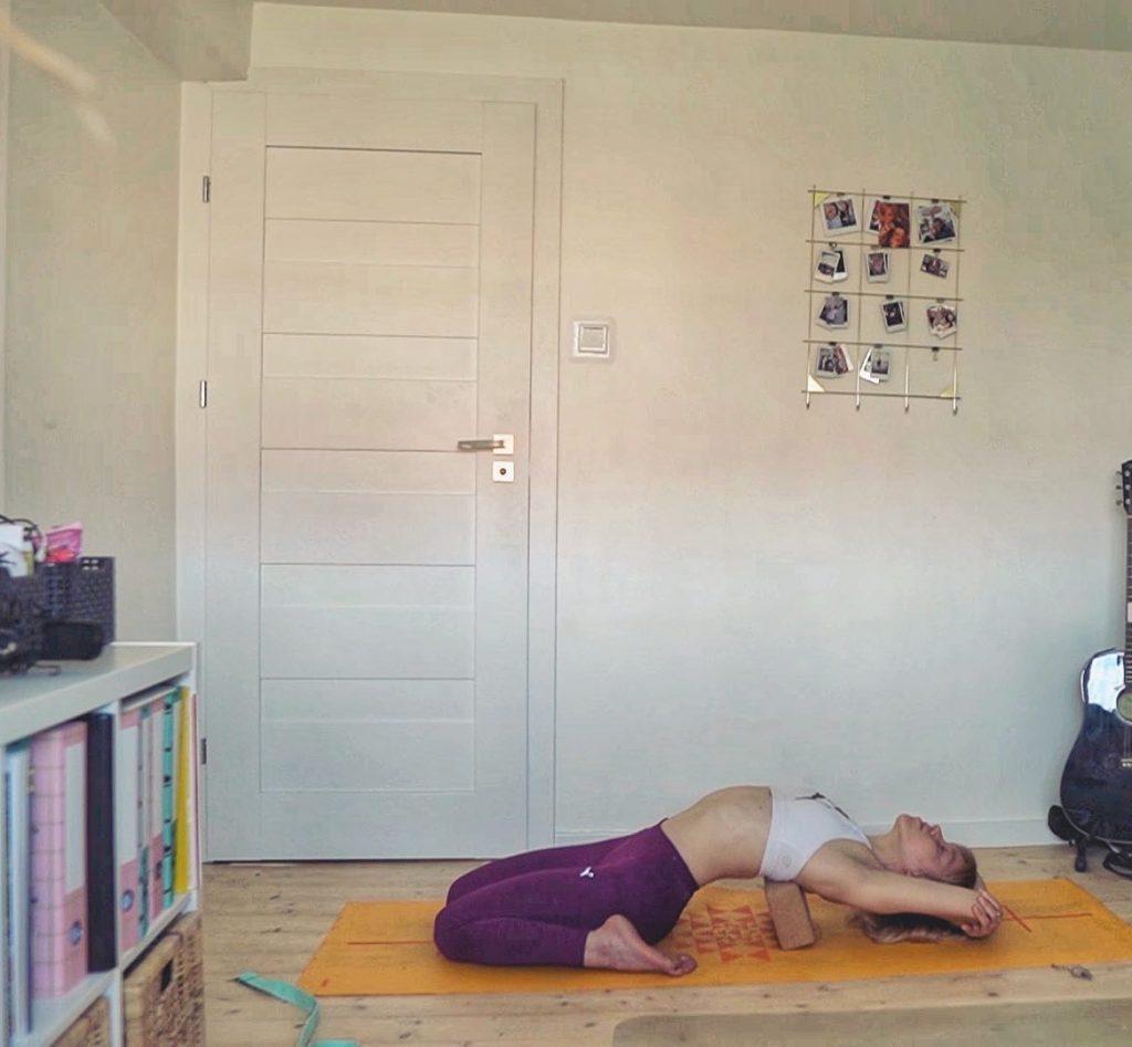 Marta Hennig, codziennie fit, rozciąganie, joga,